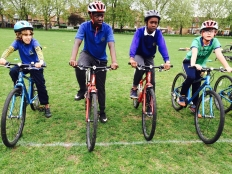 Grass track racing, Chestnuts Park May 2015